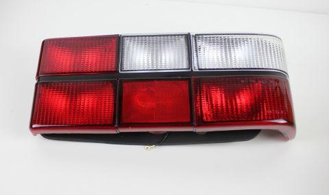 BAKLAMPE 244 M/HVIT BLINK  høyre side